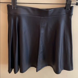 Forever 21 Faux Leather Skirt Size Small